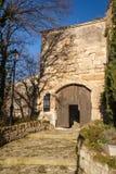 美丽如画的村庄列斯Baux de普罗旺斯中世纪门  免版税库存照片