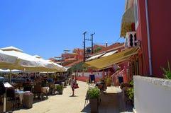 美丽如画的沿海街道, Fiskardo,希腊 图库摄影