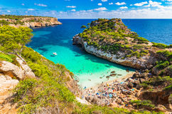 美丽如画的海湾Cala des莫罗海滩马略卡西班牙 库存照片