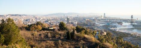 美丽如画的巴塞罗那都市风景,西班牙天全景  免版税库存照片