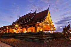 美丽寺庙在泰国和未看见 库存照片