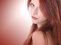 美丽接近老红头发人十七青少年的年 图库摄影