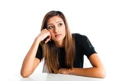 年轻美丽的不快乐的亚裔印地安少年 免版税库存图片