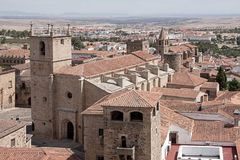 美丽的中世纪市卡塞里斯在埃斯特雷马杜拉 免版税库存照片