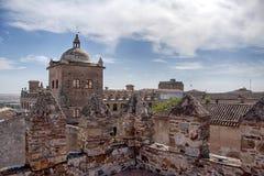 美丽的中世纪市卡塞里斯在埃斯特雷马杜拉 免版税图库摄影