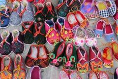 美丽的中国老虎鞋子 免版税库存照片
