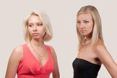美丽的二妇女 免版税库存照片