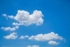 美丽的云彩和bule天空 图库摄影