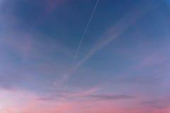 美丽的五颜六色的天空 1个背景覆盖多云天空 库存图片