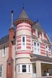 美丽的五颜六色的时代房子维多利亚&# 免版税库存图片