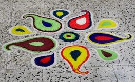 美丽的五颜六色的rangoli 免版税库存图片