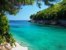 美丽的亚得里亚海海湾风景看法  免版税库存照片
