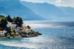 美丽的亚得里亚海的海滩和盐水湖有大海的 库存照片