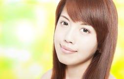 美丽的亚裔少妇 免版税库存照片