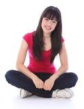 美丽的交叉女孩有腿的东方少年 免版税库存图片