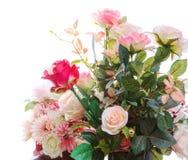 美丽的人为玫瑰花花束arragngement 免版税库存图片