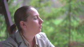美丽的企业纵向妇女年轻人 股票视频