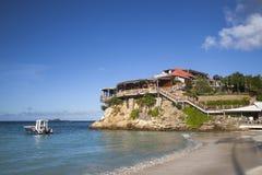 美丽的伊甸园岩石旅馆在圣Barts,法属西印度群岛 免版税图库摄影