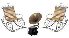 美丽的伪造的metall roching的椅子和葡萄酒留声机rec 库存照片