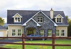 美丽的住宅乡间别墅在爱尔兰 库存图片