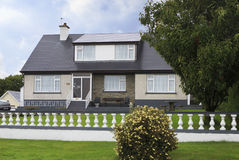 美丽的住宅乡间别墅在爱尔兰 图库摄影