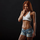 美丽的健身女性 免版税库存照片