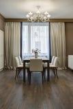 美丽的公寓,内部室 免版税库存照片