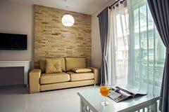 美丽的内部客厅 免版税库存照片