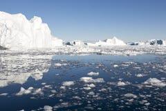 美丽的冰山 免版税库存照片