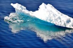 美丽的冰川冰 免版税库存图片