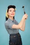 美丽的别针的图片妇女的有锤子的 免版税库存照片