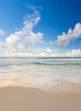 美丽的加勒比海滩,坎昆,墨西哥 免版税库存照片