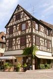 美丽的半木料半灰泥的房子在科尔马,法国 免版税库存图片