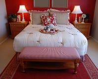 美丽的卧室 免版税库存图片