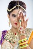 美丽的印地安新娘特写镜头  免版税库存图片