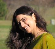 美丽的印第安结婚的微笑的妇女年轻&# 库存照片