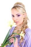 美丽的卷发长的妇女年轻人 免版税库存照片