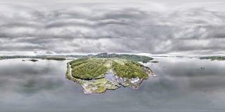 美丽的历史的港口村庄Crinan -打开第02部分的锁的鸟瞰图 库存照片