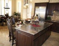 美丽的厨房豪华照片 免版税库存图片
