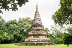 美丽的古老塔在Wat Umong, Chiangmai,泰国 免版税库存图片
