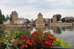 美丽的史特拉斯堡,阿尔萨斯,法国 中世纪塔和桥梁 免版税图库摄影