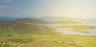 美丽的史诗爱尔兰从Th的乡下农村风景风景 免版税库存图片