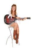 美丽的吉他妇女年轻人 库存图片