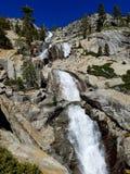 美丽的哥伦比亚落峡谷马尾许多一瀑布 库存图片