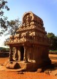美丽的唯一石头在马马拉普拉姆雕刻了大厅五rathas 库存照片