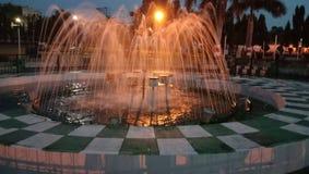 美丽的喷泉印度人爱夜水光 免版税库存照片