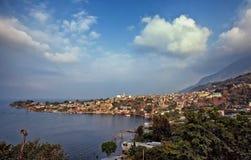 美丽的圣佩德罗火山La拉古纳,湖Atitlan,危地马拉,中美洲 免版税库存照片