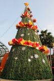 美丽的圣诞树在Vincom贸易中心,河内,越南- 2018年12月22日 免版税库存图片