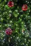 美丽的圣诞节装饰结构树 图库摄影