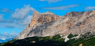 美丽的坚固性山 库存图片